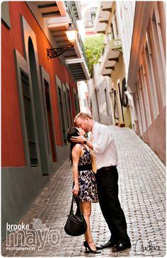 Old San Juan engagement photos. Puerto Rico Engagement. Destination wedding. Destination Engagement photos. www.brookemayo.com Brooke Mayo Photographers