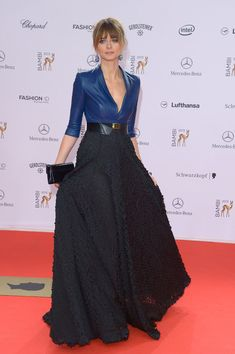at the Bambi Awards Eva Padberg attends the Bambi Awards 2013 at Stage Theater on November 2013 in Berlin, Germany.Eva Padberg attends the Bambi Awards 2013 at Stage Theater on November 2013 in Berlin, Germany. Long Skirt Fashion, Fashion Dresses, Mode Outfits, Skirt Outfits, Elegant Outfit, Elegant Dresses, Desi Wedding Dresses, Fiesta Outfit, Formal Dresses With Sleeves