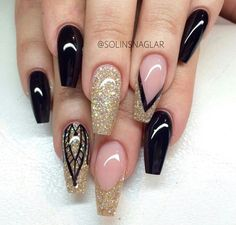 Here are some cute winter nail designs between black and silver glitter nails, black and gold glitter nails, and black marble nails designs. Fabulous Nails, Gorgeous Nails, Fancy Nails, Trendy Nails, Hot Nails, Hair And Nails, Sexy Nails, Nagel Hacks, Gold Glitter Nails