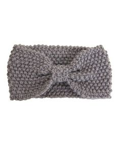 Stay stylishly warm with this trendy headband. The pretty bow makes for a signature statement.