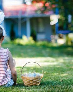 Frühlingshafte Oster-Woche für die ganze Familie im Hotel Theresa im Tiroler Zillertal. Wellnessurlauber und Genussliebhaber können im Theresa aufleben, durchatmen und nach allen Regeln der Kunst genießen. Seit drei Generationen verwöhnt Familie Egger ihre Gäste und versprüht ein Lebensgefühl der Herzlichkeit und Gastfreundschaft. Wellness Urlaub mit Kindern   Naturhotel   Ostern in Tirol Yoga Kurse, Wicker Baskets, Hotels, Child Care, Woven Baskets