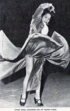 Carmen Amaya, Gypsy Women, Flamenco Dancers, Ballet, Dance Photos, Lets Dance, Poses, Cool Pictures, Barcelona