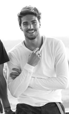 Mariano Di Vaio is an Italian model and actor with amazing hairstyles. Check them out here.