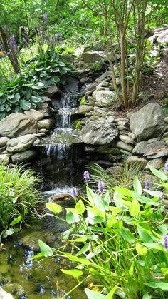 65 Lovely Backyard Waterfall And Pond Landscaping Ideas - Page 17 of 66 Backyard Water Feature, Ponds Backyard, Backyard Waterfalls, Garden Ponds, Pond Design, Garden Design, Diy Design, Carpe Koi, Garden Waterfall