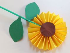 Bloemen knutselen - 15x prachtige bloemen maken. Spring Crafts For Kids, Paper Crafts For Kids, Preschool Crafts, Diy For Kids, Arts And Crafts, Diy Crafts, Paper Flowers For Kids, Diy Flowers, Fall Cards