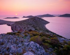 Croatia, paradise of lakes and waterfalls - Mana Island