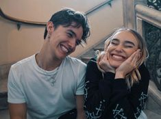 Noah and Sina😁 Boy And Girl Best Friends, Best Freinds, Cute Friends, Cute Friend Pictures, Noah Urrea, Relationship Goals Pictures, Boy Tattoos, Important People, Poses