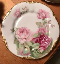 Antique China, Vintage China, Vintage Tea, Vintage Plates, Vintage Dishes, Porcelain Ceramics, China Porcelain, Casas Shabby Chic, Tea Party Table