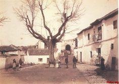 Puerta-de-Fajalauza-Plaza-de-San-Luis-Granada-antigua