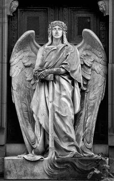 ☫ Angelic ☫  winged cemetery angels and zen statuary - Pragfriedhof Stuttgart
