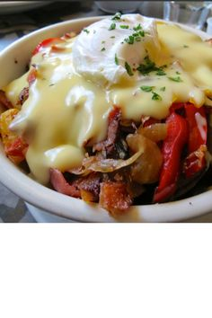 Breakfast Poutine, oh yeah! Fries or hash browns,your favorite b-fast ...
