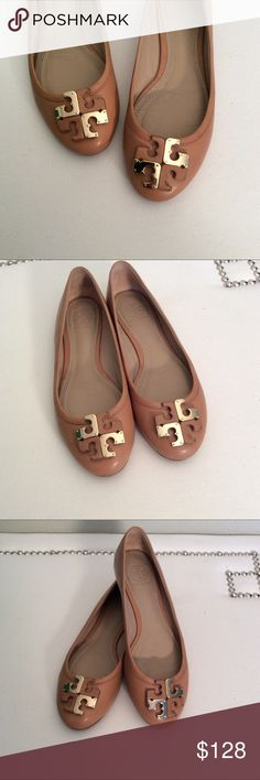 Tory Burch Lowell Flats Sz 6.5 These Tory Burch flats are great! Not the typical Reva flat you see on EVERYONE ELSE, but still have a prominent TB logo on the toe. Really versatile tan color, along with a leather and metal double-T logo at round toe. Overall in great shape! See photo 5 to note scuffing at very bottom of the heel. Tory Burch Shoes Flats & Loafers
