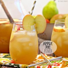APPLE PIE PUNCH is my favorite drink for fall and Thanksgiving! Easily made non-alcoholic, delicious both ways! Easy and refreshing autumn cocktail!