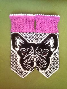 Knit A Pair Of These Fabulous French Bulldog Mittens! Mittens Pattern, Knit Mittens, Knitted Gloves, Knitted Bags, Fingerless Gloves, Hand Knitting, Knitting Patterns, Sewing Patterns, Knitting Tutorials