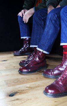 "bleachersandco: ""Just cool. Which are the best boots? What colour? Dr. Martens, Botas Dr Martens, Dr Martens Boots, Doc Martens Oxfords, Skinhead Boots, Skinhead Fashion, Punk Fashion, Skinhead Style, Skinhead Men"