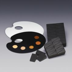 Qosmedix continues to meet the needs of the beauty industry by expanding its product offering of professional tools and disposable applicators by adding new artist mixing palettes and black makeup sponges.