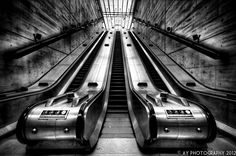 The Big Slide by Aaron Yeoman, via / Bermondsey Underground Station, London, England 2012 Hdr Photography, School Photography, Photography Projects, London Bridge, London City, London Underground Tube, Tube Train, Local Seo Services, Site Web