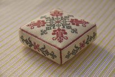 Párna - this is one of my favourites, thank you. Biscornu Cross Stitch, Cross Stitch Charts, Cross Stitch Designs, Cross Stitch Embroidery, Hand Embroidery, Cross Stitch Patterns, Cross Stitch Freebies, Cross Stitch Finishing, Christmas Embroidery