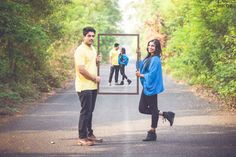 Check out these 20 Spring Colourful PreWedding Photoshoot Props. They are going to make you smile, giggle and most importantly fall in love. Pre Wedding Poses, Pre Wedding Shoot Ideas, Pre Wedding Photoshoot, Prewedding Photoshoot Ideas, Wedding Photo Props, Cute Couple Poses, Couple Photoshoot Poses, Couple Posing, Couple Shoot