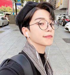 Korean Glasses, Boys Glasses, Cute Korean Boys, Hoop Earrings, Hairstyle, Instagram, Jewelry, Ulzzang Boy, Wattpad