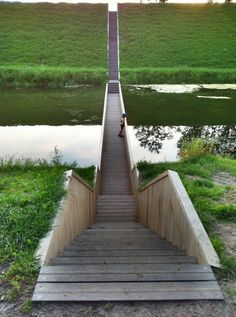 Moses Bridge Stairs, Netherlands - http://www.worldarchitecturenews.com/index.php?fuseaction=wanappln.showprojectbigimages&img=4&pro_id=19389