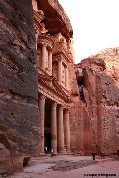 Entrada a la ciudad de Petra, viaje a Jordania Cataratas Victoria vía pasaporteblog.com #7wonders #7maravillas #petra