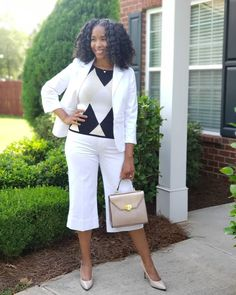 A monochrome look | For more style inspiration visit 40plusstyle.com