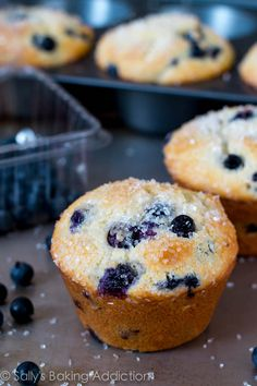 Blueberry Muffins I added a tiny bit of lemon extract. My 5 year old daughter declared these the best muffins ever! Best Blueberry Muffins, Blueberry Recipes, Blue Berry Muffins, Muffin Recipes, Baking Recipes, Aldi Recipes, Baking Ideas, Recipies, Delicious Desserts