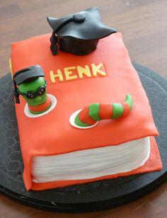 #taart in de vorm van een #boek #geslaagd