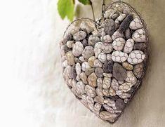 Cómo hacer un adorno para el jardín en forma de corazón