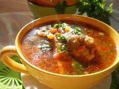 Ciorba Din Costita De Porc | Retete Culinare - Bucataresele Vesele Romanian Food, Romanian Recipes, Supe, Curry, Ethnic Recipes, Dan, Pork, Curries