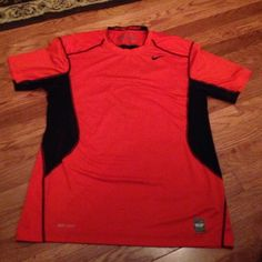 Nike pro combat DRI fit top Very nice Nike Tops Tees - Short Sleeve