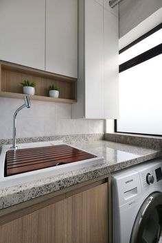 Com apenas 57 m², este apartamento na Vila Mariana, em São Paulo, prova que com um bom projeto o espaço pode render – e muito! O proprietário, um advogado solteiro, que adora ler, assistir filmes e
