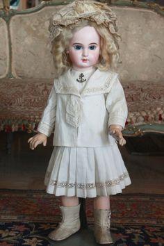 *美しい瞳のジュモーEJ*アンティークドール*_とても素敵なお人形です。