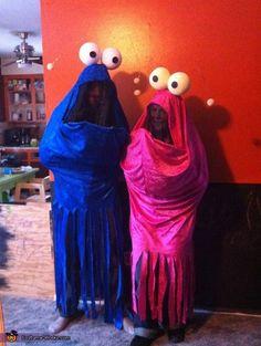 Sesame Street Martians Costume - Halloween Costume Contest via Costume Halloween, Couples Halloween, Homemade Halloween Costumes, Holidays Halloween, Cool Costumes, Halloween Crafts, Costume Ideas, Alien Costumes, Halloween Halloween