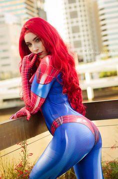 Beke Cosplay as Spidey Mary Jane - More at https://pinterest.com/supergirlsart #marvel #spiderman #cosplay #girl #watson #mjw