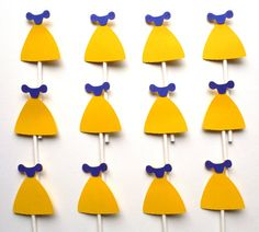 12 Snow White Themed Dress Cupcake Toppers by ScrapsToRemember, $12.00