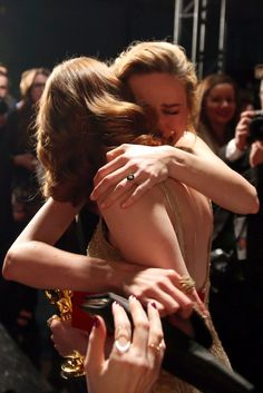 Brie Larson and Emma Stone Burst Into Tears While Hugging It Out After Emma's Oscar Win