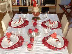 Te compartimos 9 Ideas para que tu comedor luzca hermoso en tu cena navideña. Deco Table Noel, Santa Margarita, Buffet, Finding Yourself, Table Settings, Christmas Tree, Table Decorations, Holiday Decor, Home Decor