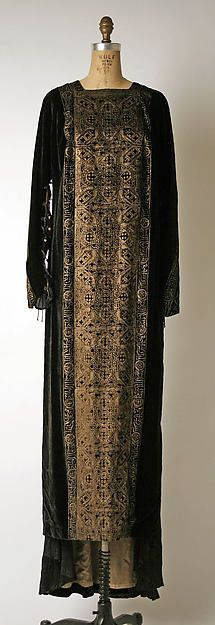 Evening dress (image 1) | Mariano Fortuny | Italian | early 20th century | silk, glass | Metropolitan Museum of Art | Accession Number: 1977.304.3