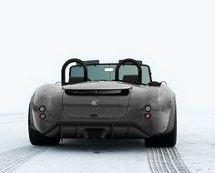 0 a 100 em 2,8 seg, máxima 332 km/h, carroceria em carbono, freios Brembo, etc, etc   visite o site www.ac-automotive.com