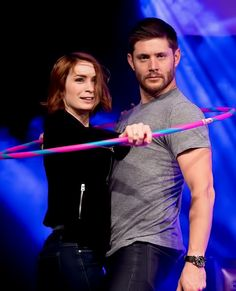 Jensen Ackles and Felicia Day hula hooping. Of course, they are! Lol. Why doesn't that surprise me?