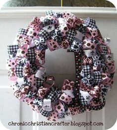 Chronic Christian Crafter: Ribbon Wreath...with Tutorial