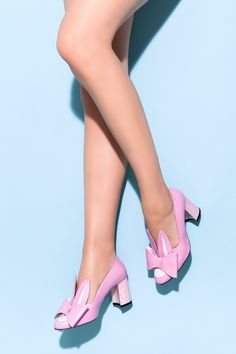 Fashion Designers, Pink White, Kitten Heels, Holiday, Shoes, Creativity, Zapatos, Vacations, Shoes Outlet