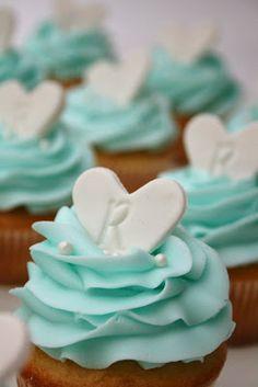 Wedding Shower Cupcakes | http://simpleweddingstuff.blogspot.com/2014/01/wedding-shower-cupcakes.html