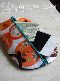 simply homemade: Little oval pouch tutorial - cute shape! Draft your own pattern, but she provides the construction information :D Diy Sewing Projects, Sewing Tutorials, Sewing Hacks, Sewing Crafts, Tutorial Sewing, Bag Tutorials, Dyi Crafts, Homemade Bags, Fabric Bags