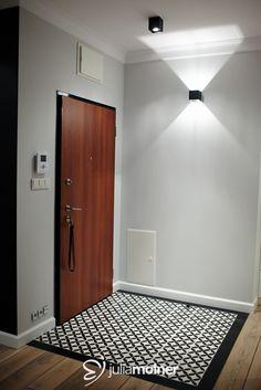 Wood Tile Articima # cement tiles Ref. Inside Doors, Back Doors, Style At Home, Floor Design, House Design, Wood Tile Floors, Wood Parquet, Cement Tiles, Entryway Flooring