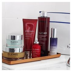 The Elemis Day to Night Luminous Skin Collection is launching on QVC and for a limited time you can shop the pre-sale. It's under 60 for all these amazing beauty hero products that have a value of 173. Including the brand new Peptide4 Night Recovery Cream Oil as well Pro-Collagen Marine Cream and the holy grail Cleansing Balm for the face the set also contains the Frangipani Monoi Shower Cream Body Cream and Body Oil. A truly luxurious treat at a special price. Head over to @elemis and shop…