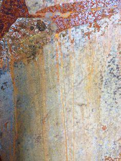 Rust dyeing. Photography: Saara Jolkkonen #rustdye #saarajolkkonen