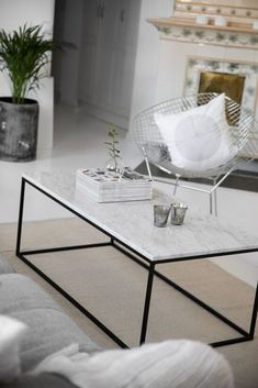 muebles marmol Gillmore Space White Marble and Black Metal Contemporary Rectangular Coffee Table off Marble Coffe Table, Ikea Coffee Table, Home Coffee Tables, Large Coffee Tables, Coffee Table Design, Black Glass Coffee Table, Marble Tables, White Coffee, Living Comedor